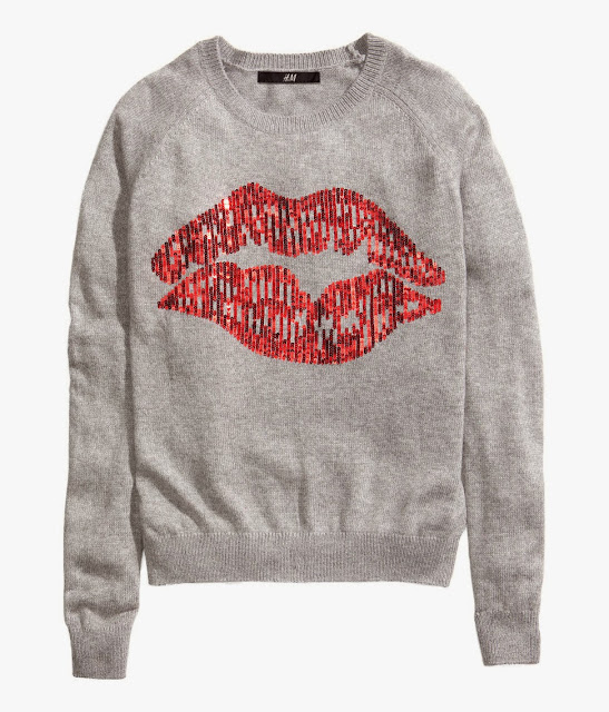 lips on jumper