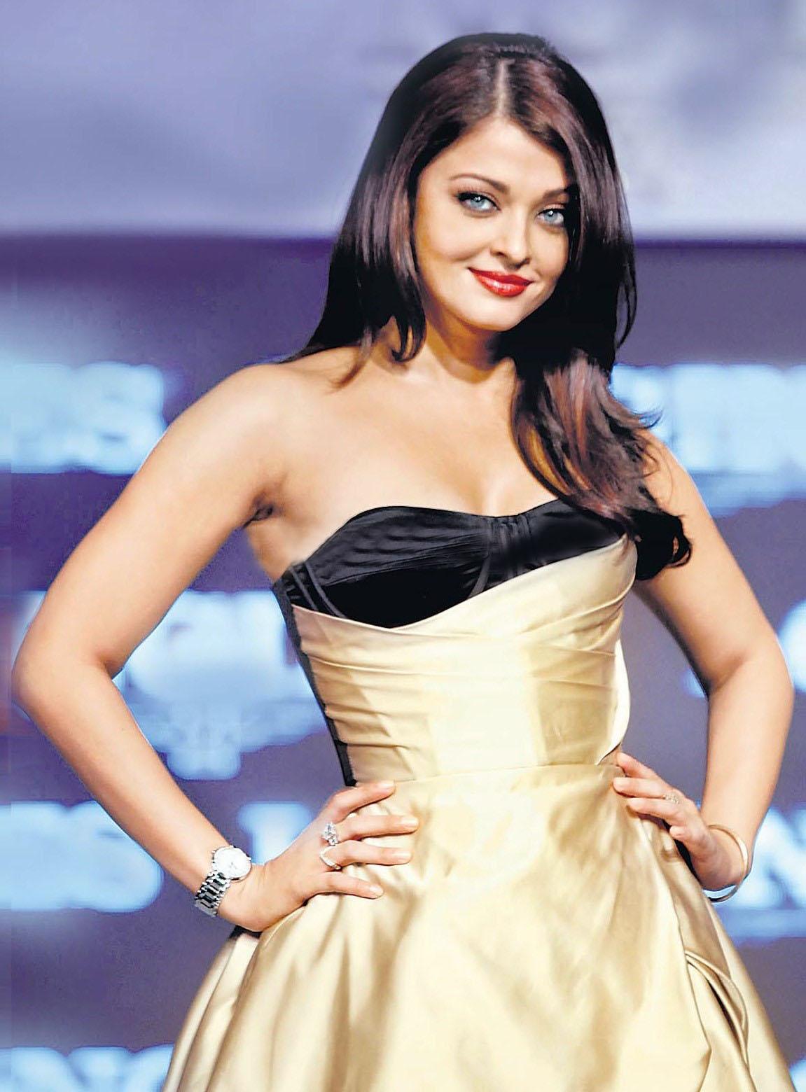 http://1.bp.blogspot.com/-DmdOIVjAKJ4/ThlVNEjnvlI/AAAAAAAAKvs/WADTDvkQf60/s1600/Aishwarya+Rai+Bachan+looking+gorgeous+hot+sexy+magaznie+scan.jpg