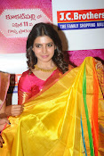 Samantha glamorous photos in saree-thumbnail-11