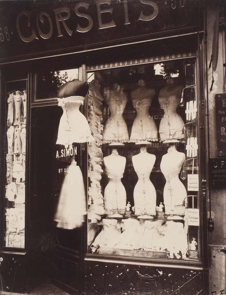 Rare Photographs Capture Street Scenes Of Paris In The