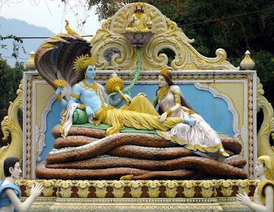 Vishnou, Lakshmi, serpent, sculpture, bois peint