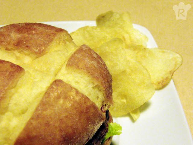 Hamburguesa rellena de queso