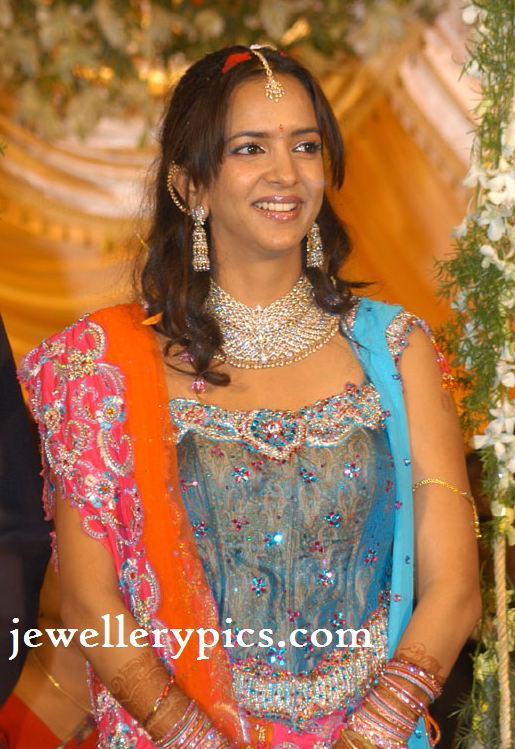 Manchu Lakshmi Prasanna Reception Jewellery Latest