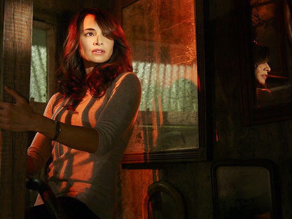 Mia Maestro as Dr. Nora Martinez in The Strain Season 1 Episode 3 Gone Smooth