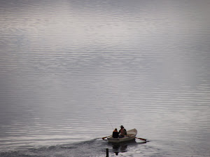 Pareja en el lago Alexandrine Nueva Zelanda