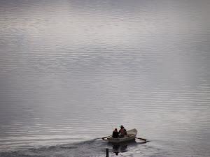 Pareja en el lago Alexandrine Nueva Zelanda