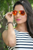 sonal chauhan latest glam pics-thumbnail-13