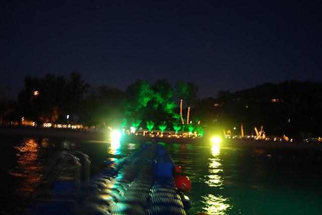 Ночная иллюминация на пляже Сурин - Night illumination at Surin Beach.