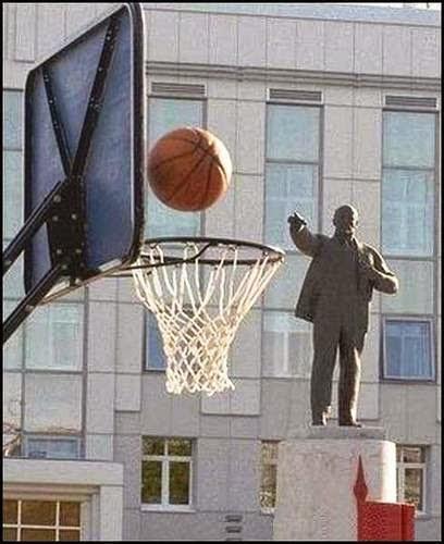 Ο Λένιν ήταν μεγάλος τριποντάς
