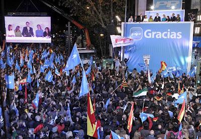Celebración de la victoria electoral del PP en 2011 en Génova