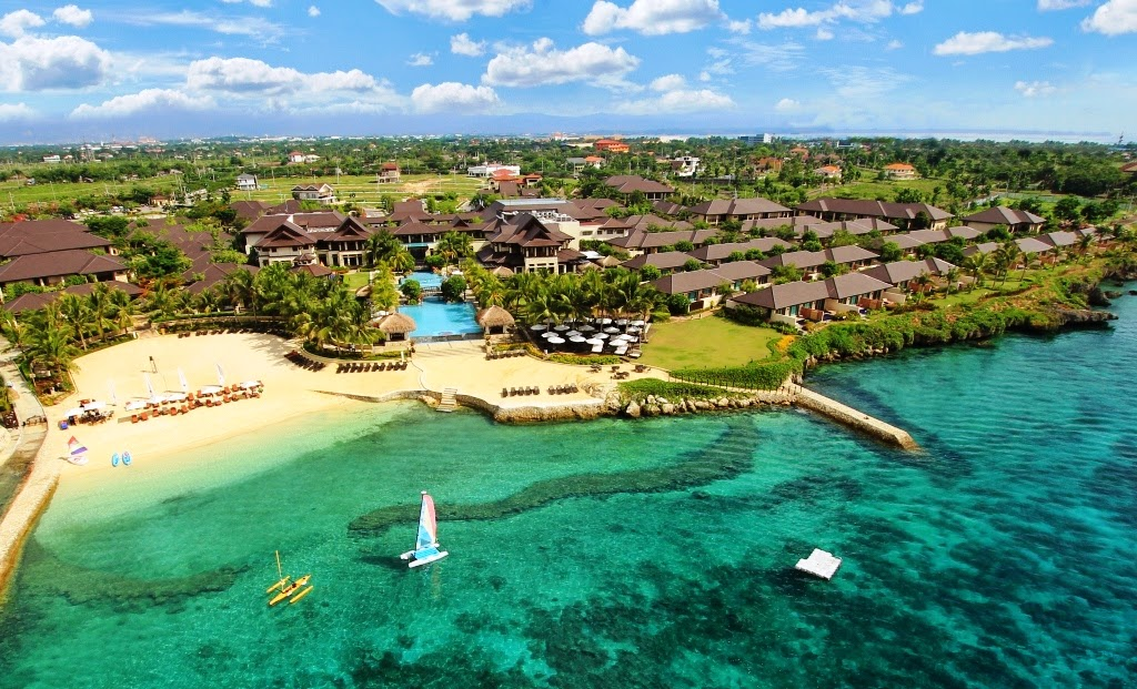 Crimson Resort and Spa in Mactan