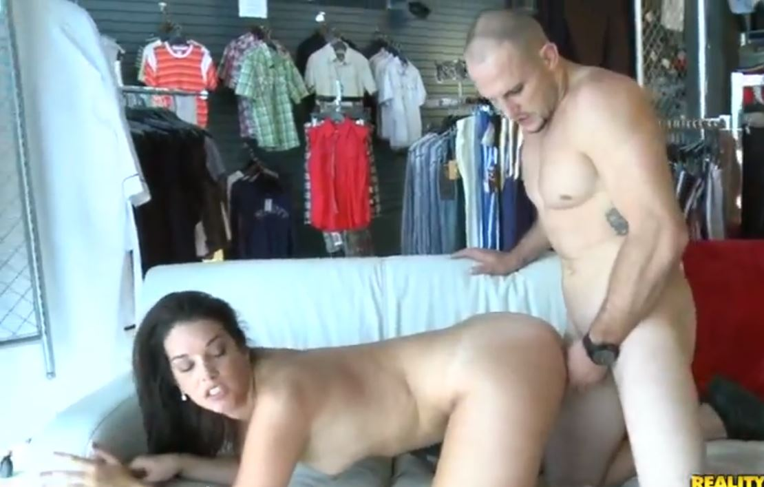 Beauty With Perfectly Round Ass Fucking and Taking Facial for Money