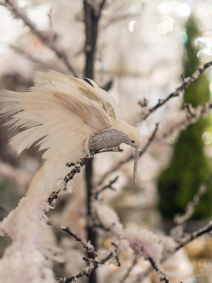 valkoinen lintu joulukoriste loviisan aitta, ylelliset joulukoristeet