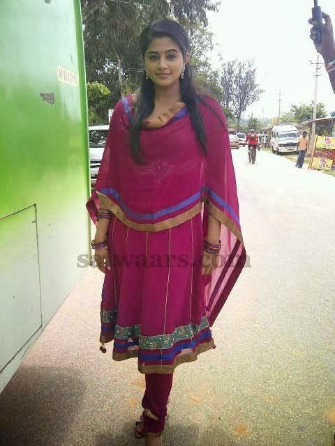 Priyamani in Pink Salwar