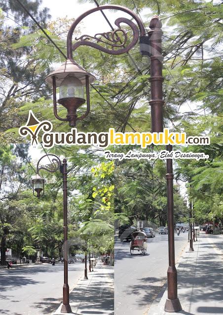 tiang lampu taman jalan antik