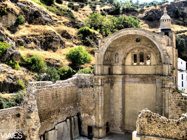 ruina iglesia santa maria de cazorla