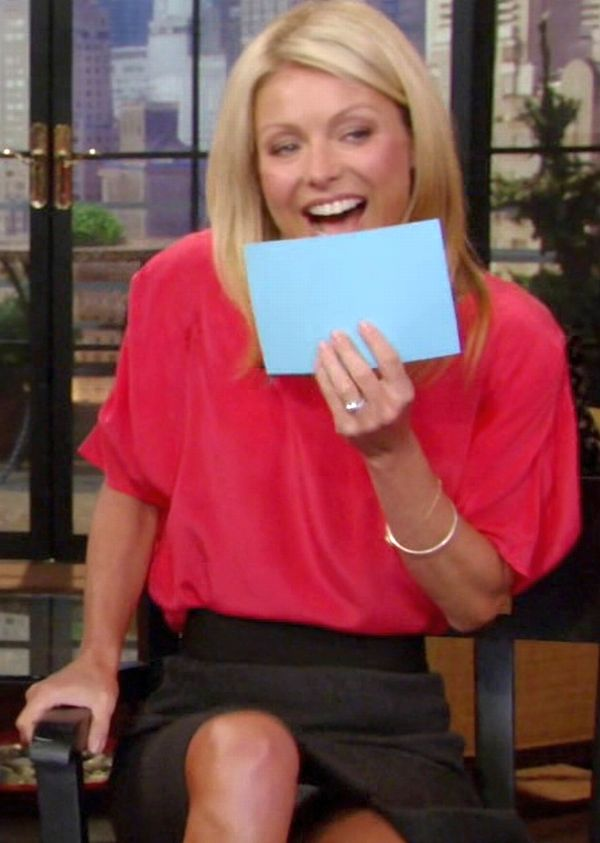 Kelly Ripa Upskirt Celebrity