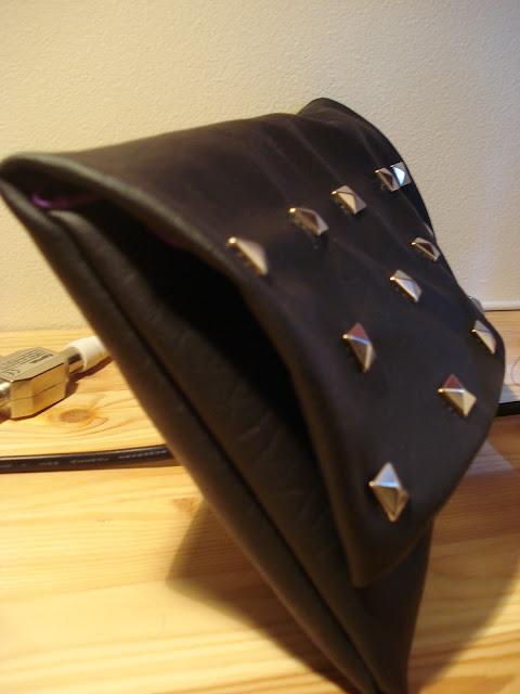 studded clutch DSC05648