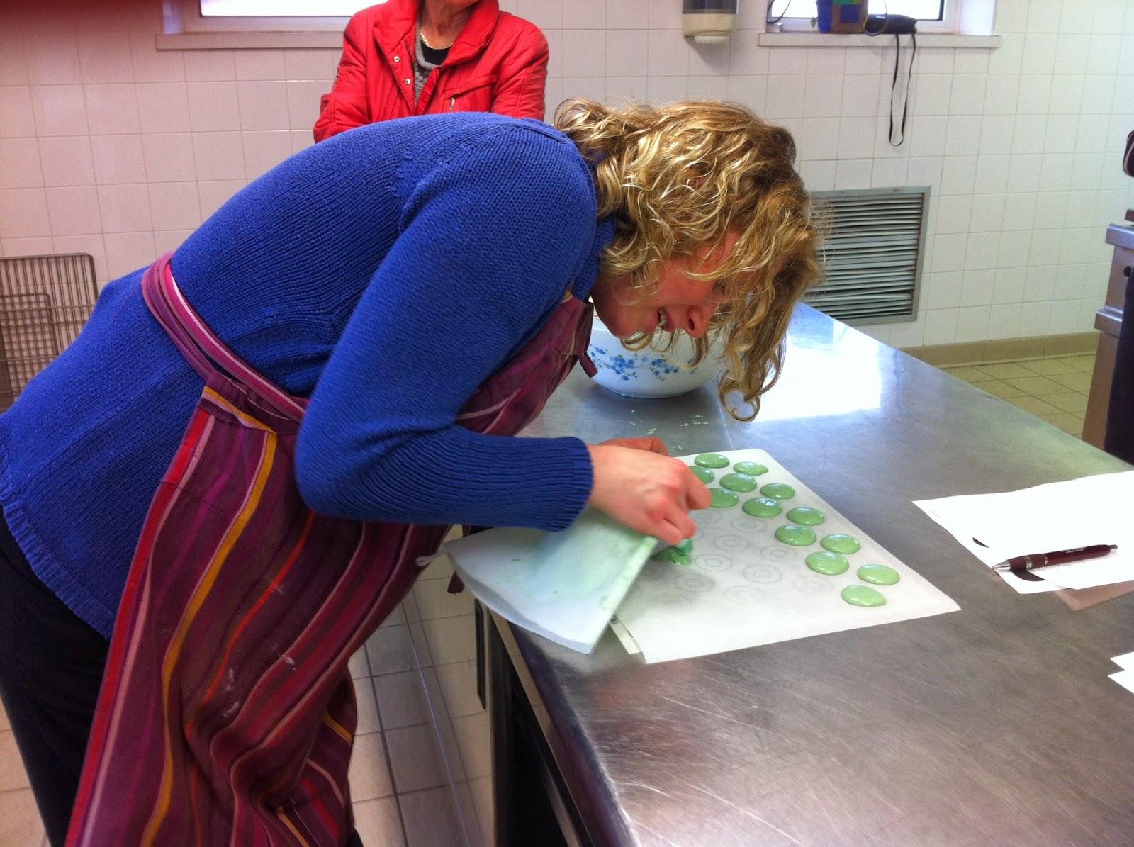 Les actrices nivernaises compte rendu de l 39 apres midi pour apprendre a faire des macarons - Apprendre a faire la cuisine ...