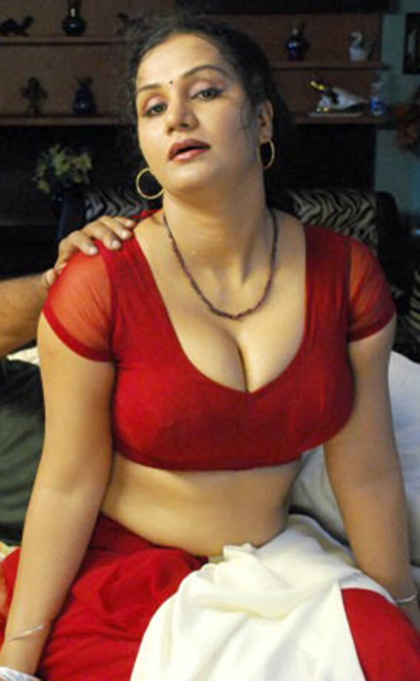 Hot Pics Delivery South Masala Actress Apoorva Cleavage
