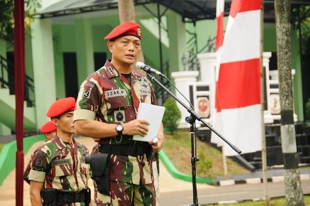 Kolonel Inf Izak Pangemanan - komandan kopassus