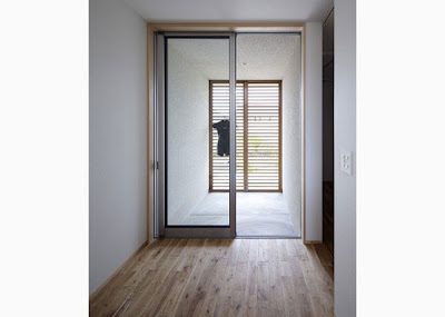 Rumah sederhana dengan desain minimalis ini tergolong sangat unik dan berciri khas rumah  Inilah Desain Rumah Minimalis Sederhana 2 Lantai
