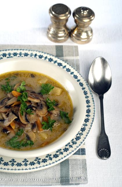cuisine polonaise pieczarkowa soupe aux champignons de. Black Bedroom Furniture Sets. Home Design Ideas