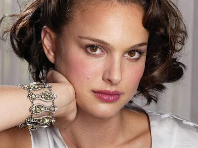 Natalie Portman Hollywood HD Wallpaper-602-1600x1200