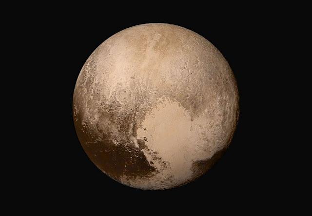 """Pluto Miliki Atmosfer, 5 Satelit Alami dan Aktivitas Geologi. Akankah Dikategorikan """"Planet"""" Lagi?"""