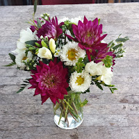 http://atlantaflowerbar.bloomnation.com/atlanta-flower-bar/a-pop-of-fun.html