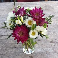 http://atlantaflowerbar.bloomnation.com/atlanta-flower-bar/a-pop-of-fun.html