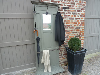 porte-manteaux-retro-gris-mousse