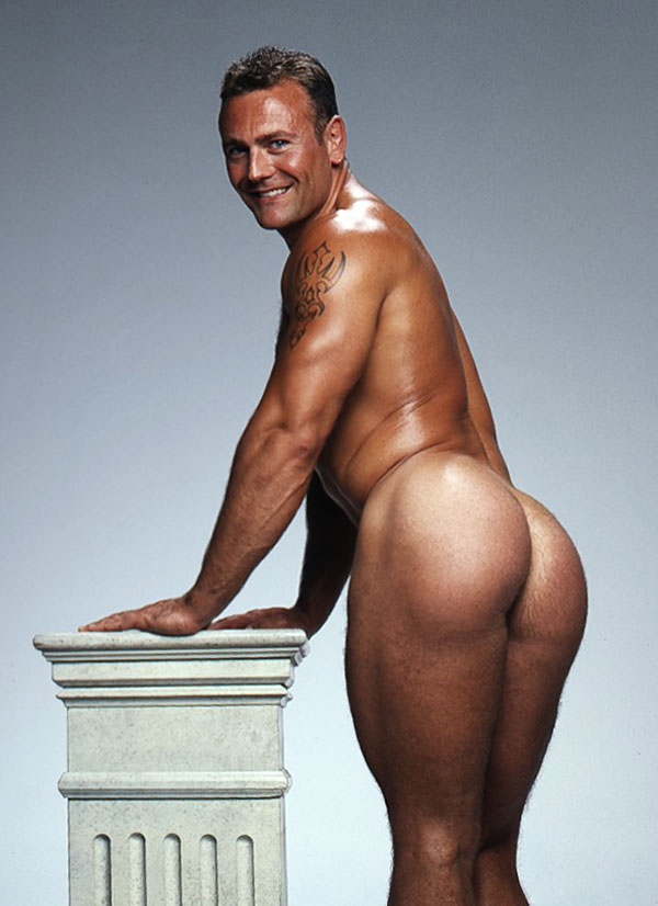 Nude gerard