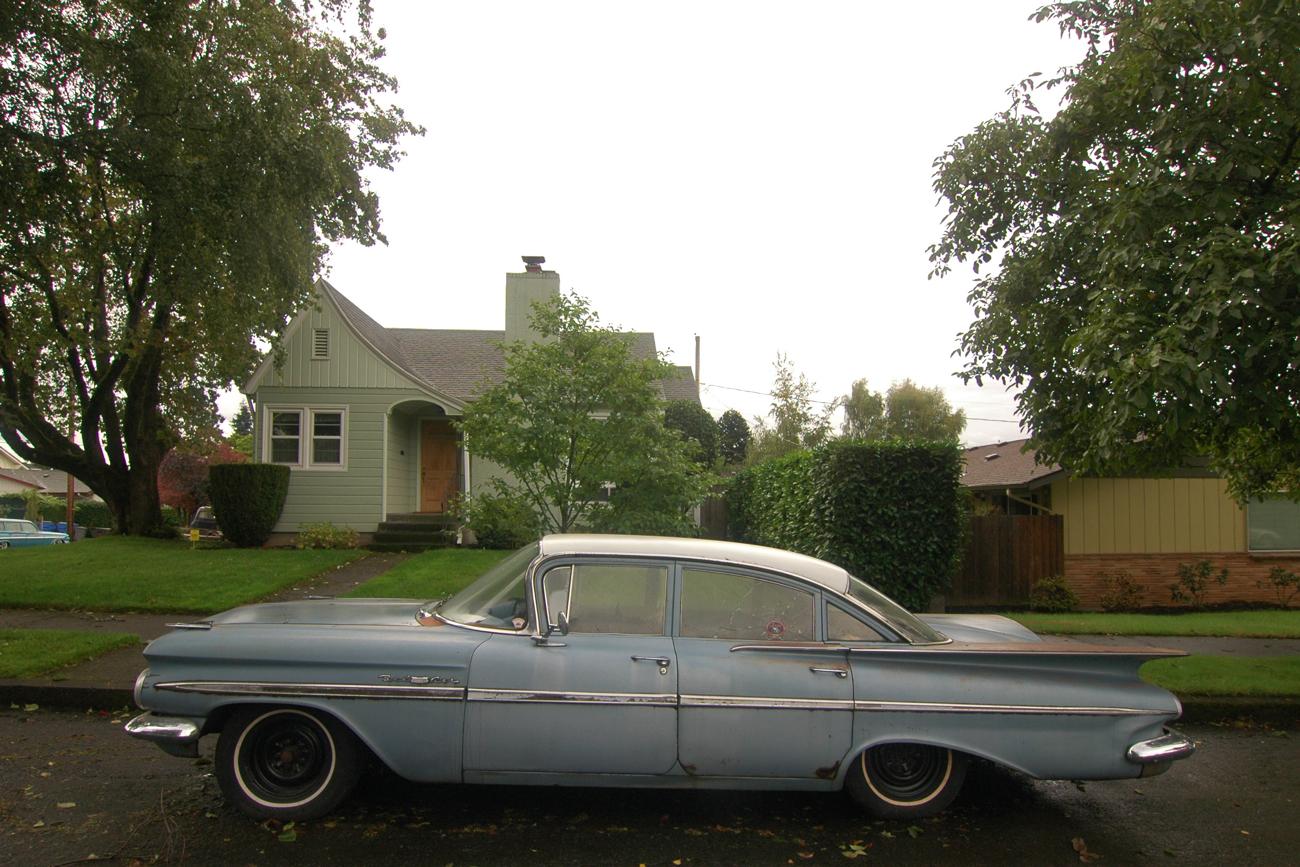 U 2 1959 OLD PARKED CARS...