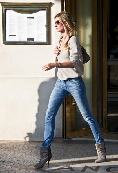 Street Style Gisele Bundchen S Best Off Duty Outfits
