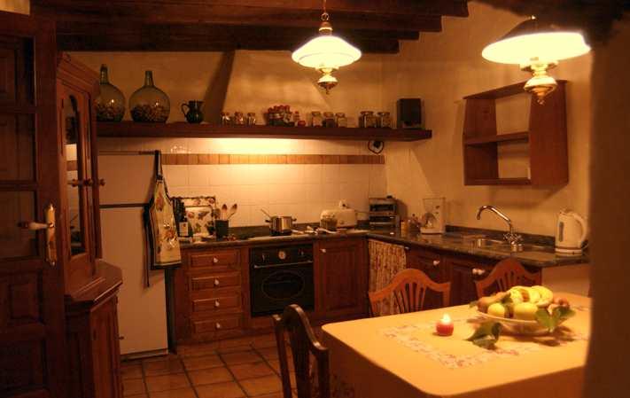 Turismo rural la cocina rural for Cocinas casas rurales