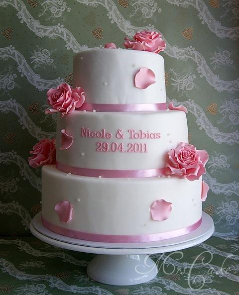 Sarahs Torten und Cupcakes: Meine erste Hochzeitstorte