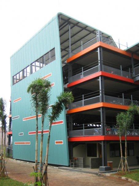 parkiran kampus G kelapa dua