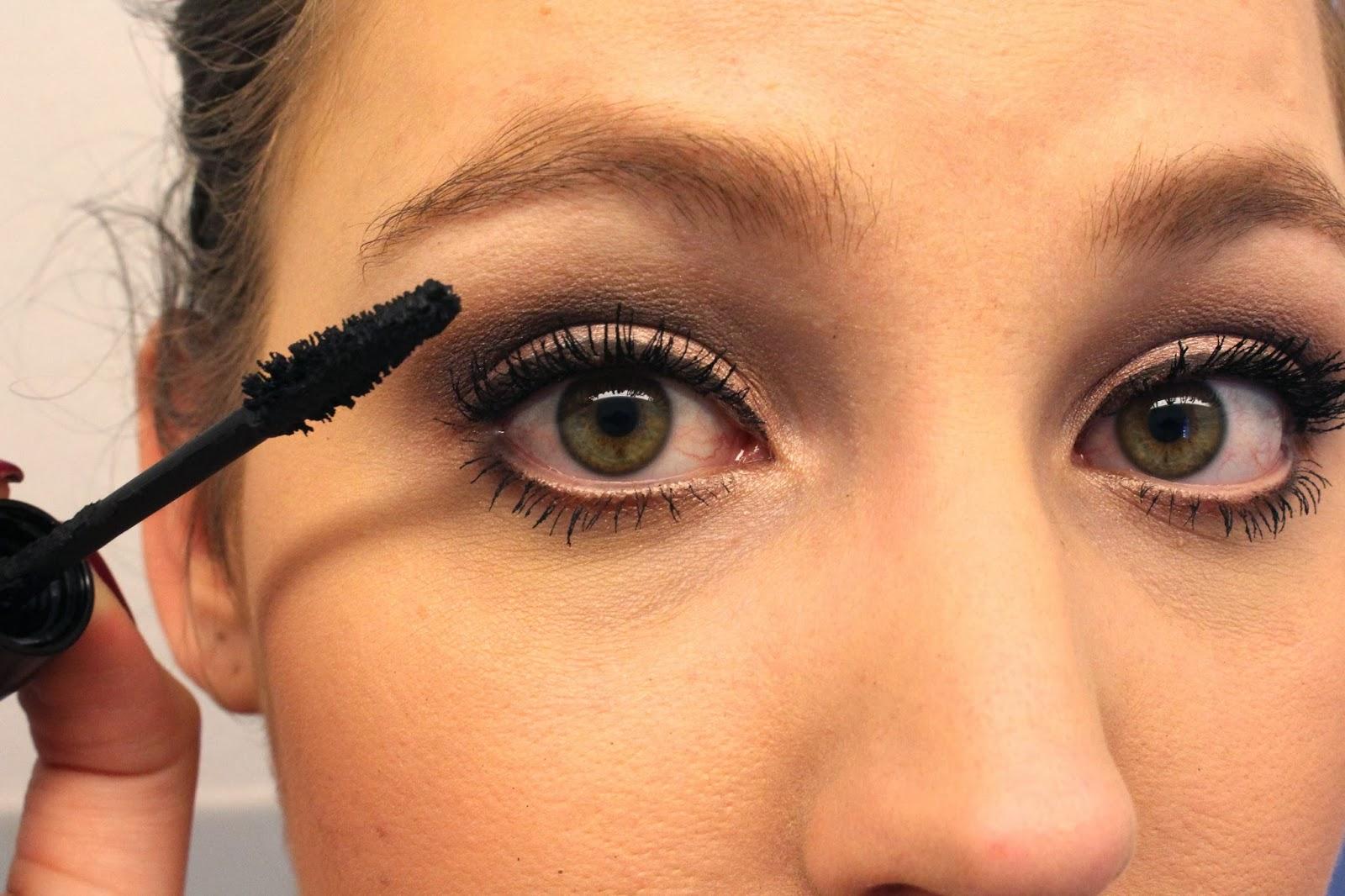 mac-eye-makeup-look-30