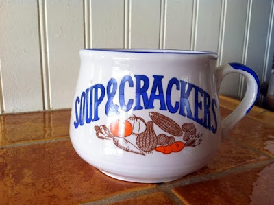 https://www.etsy.com/listing/122097064/4-vintage-soup-crackers-mug-bowl?ref=favs_view_1