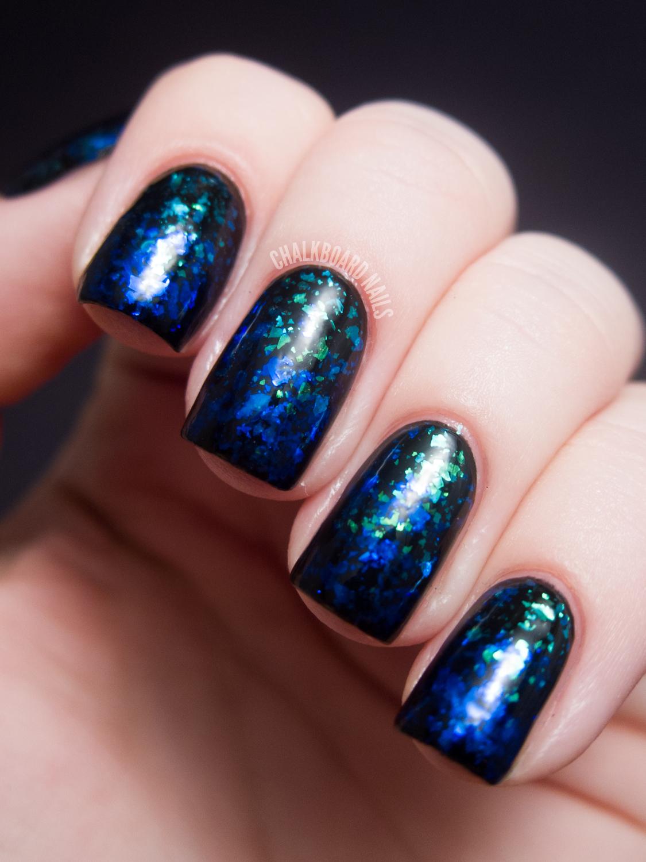 Blue to Green Flakie Gradient | Chalkboard Nails | Nail Art Blog