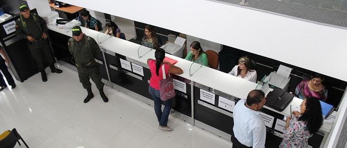 Santander hoy web mejor atenci n al p blico en oficina de for Oficina correos santander