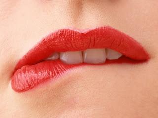 Membuat Bibir Merah