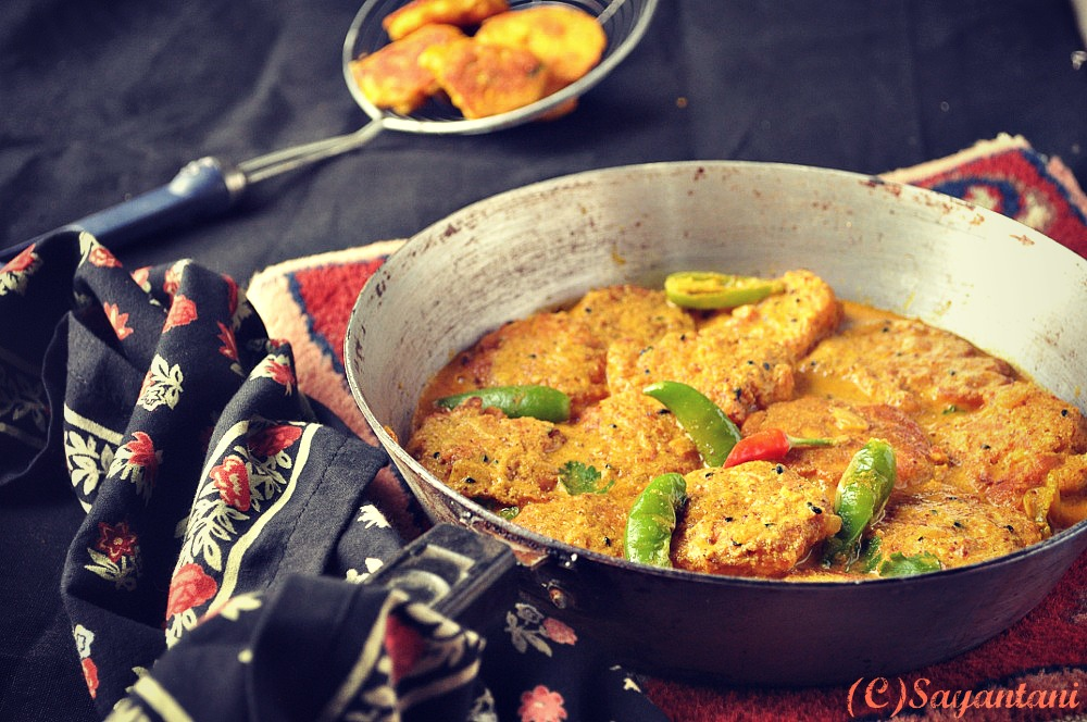 Macher Dimer Boda R Jhal Fish Roe Fritters In A Spicy