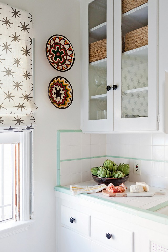 home-tour-a-young-designers-cheerful-eclectic-la-home-1519486.640x0c.jpg