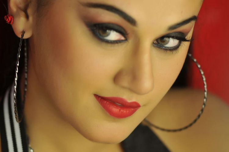 Lady Artists Photo Gallery: Sizzlers - Tapsi Pannu - Images from VEERA