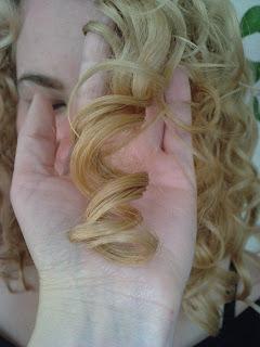 Wasze włosy u Mysi. Pielęgnacja kręciołów Asi