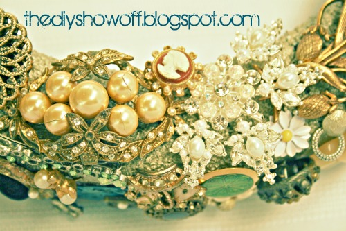 vintage jewelry wreath, crafts