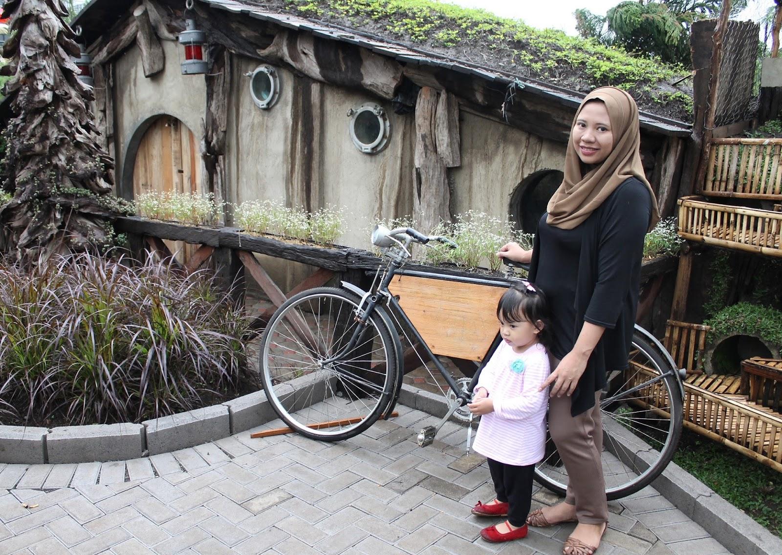 Adeknakemal Jalan2 Makan2 D Jalan2 Farmhouse Lembang