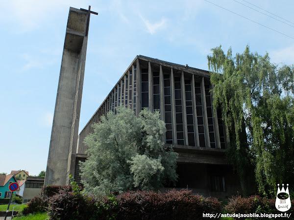 Belfort - Eglise Sainte Jeanne d'Arc  Architectes: Marcel Lods,  Jacques Beufé  Vitraux: Jean Luc Perrot  Construction: 1952 - 1957